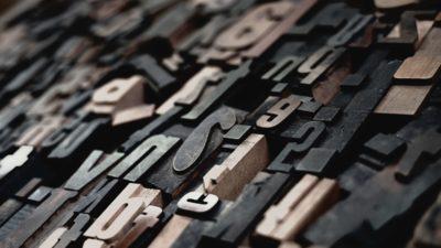 Sopa de letras en la obra